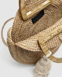 Image 7 of ROUND RAFFIA BASKET BAG from Zara
