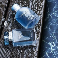 Dive into pure freshness with the Dolce & Gabbana Light Blue Eau Intense Eau de Parfum Spray, an impassioned chapter of the Light Blue… Perfume Glamour, Perfume Parfum, Perfume Hermes, Best Perfume, Parfum Spray, Perfume Diesel, Dolce & Gabbana, Fragrance, Historia