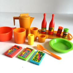 Vintage Blythe Mod Kitchen  16 piece set  pitcher by UtterMabness