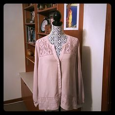 Classy Nude Rose blouse. FLATTERING NWT GORGEOUSLY DETAILED AND UNIQUELY COLORED LONG FLOWING BLOUSE. I CALL IT A NUDE ROSE. BUTTONS DOWN WITH A ORIENTAL STYLE NECK LINE. XL IN WOMENS. NICE AND LOOSE. BRAND NEW. Old Navy Tops Blouses