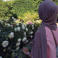 Hijab Niqab, Muslim Hijab, Hijab Outfit, Arab Girls Hijab, Muslim Girls, Beautiful Muslim Women, Beautiful Hijab, Hijab Sport, Beau Hijab