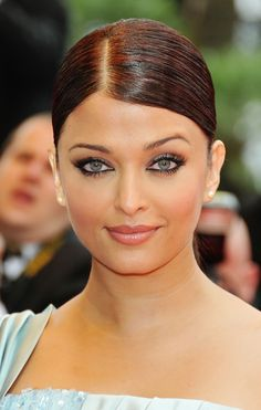 Actress Aishwarya Rai Bachchan attends the Spring Fever Premiere held at the Palais Des Festival during the 62nd International Cannes Film Festival on May 14, 2009 in Cannes, France.  (Photo by Francois Durand/Getty Images) *** Local Caption *** Aishwarya Rai Bachchan