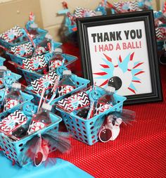 """Bowling Party Favor… love the thank you sign! And could put a """"Please enjoy some SPARE treats!"""" signs on each favor or add it to the sign It could work for sports party too. Basketball Party Favors, Birthday Party Favors, Party Favours, Birthday Ideas, Bowling Party Themes, Kids Bowling Party, 6th Birthday Parties, 8th Birthday, Birthday Basket"""