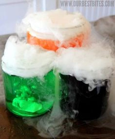 Add this to your Halloween decor or lesson plans for at home science class. Edible Magic Potion is one of the coolest crafts for kids because it's edible science! halloween party food and drink, halloween parties Theme Halloween, Halloween Drinks, Holidays Halloween, Halloween Treats, Halloween Decorations, Halloween Science, Halloween Parties, Halloween Potions, Happy Halloween