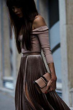 ٣٤ إطلالة من الشارع ستغير وجهة نظرك في موضة الملابس القطيفة