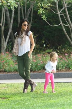 Bethenny Frankel - Bethenny Frankel Enjoys a Play Day with Bryn — Part 2