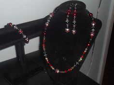 Set A: Black and Red Pearl Gothic Style Necklace Bracelet Earrings