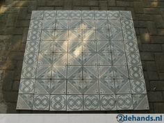 Oude,antieke tegels,vloertegels,cementtegels,plavuizen,vloer