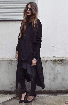 layered / oversized all black // Pinned by andathousandwords.com