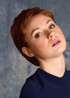 Love that hair Karen, very sexy.