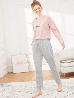 To find out about the Letter Print Pajama Set at SHEIN, part of our latest Pajama Sets ready to shop online today! Loungewear Outfits, Pajama Outfits, Girls Pajamas, Pajamas Women, Night Suit For Girl, Pajama Day, Fashion News, Fashion Outfits, Mode Hijab