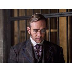 Matthew Macfadyen stars as Edmund Reid in #RipperStreet