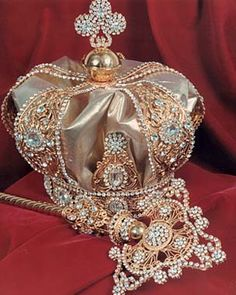 Oliver, Prince Crown Jewels, Inc., designs and crafts beautiful royal crowns and scepters