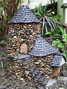 Best Magical DIY Fairy Garden Ideas - The most beautiful garden decor list Garden Crafts, Garden Projects, Garden Art, Big Garden, Fence Garden, Gravel Garden, Terrace Garden, Fairy Garden Houses, Gnome Garden