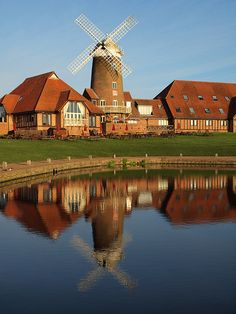 The Fayre and Square Pub/restaurant and Premier Inn at Caldecotte lakes Milton Keynes [shared]