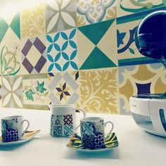 Composición pachwork en la pared. More Models --> www.torratiles.com #baldosashidraulicas #suelohidraulico #cementiles #encaustictiles #tiles #carreauxciment #carrelagedeco #carreauxdeciment #tuiles #hydraulicproject #torratiles #inlove #love #design #Ihavethisthingswithfloors #terresmodernistes #suelosmodernistas