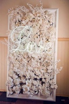 22 Trending Flower Wall Backdrops for Your Wedding Day! wall 22 Trending Flower Wall Backdrops for Your Wedding Day! Wedding Signs, Diy Wedding, Dream Wedding, Wedding Day, Wedding Bride, Wedding Reception, Wedding Letters, Wedding Poses, Wedding Blog