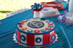 Cakes by Elizabeth: Avengers Cake - October 2012