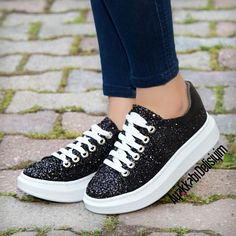 Simli Spor Ayakkabı #shoes #sneakers