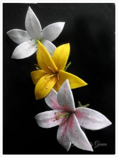 The Crafty GUAVA: How To Make Felt Lily Flower