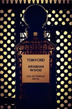 Arabian Wood Tom Ford perfume - a fragrance for women and men 2009 Heady passionate perfume for the soul. Perfume Tom Ford, Perfume And Cologne, Perfume Bottles, Men's Cologne, Best Perfume For Men, Best Fragrance For Men, Best Fragrances, Diy Fragrance, Fragrance Parfum