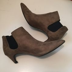 Zara Suede Pointed Booties Super chic and comfortable Zara kitten-heel booties. Good condition, only major flaw is that new heel caps are needed. There is also a very tiny black mark on the back near the heel. Size is 39, but would fit a size 7-8 best. Zara Shoes Ankle Boots & Booties