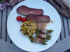 Roastbeef mit grüner Pfeffersoße, Würzkartoffeln und Pinzessbohnen im Speckgürtel
