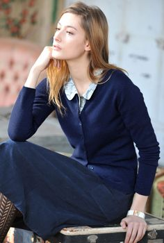 Cashmere Fitted Round Neck Cardigan