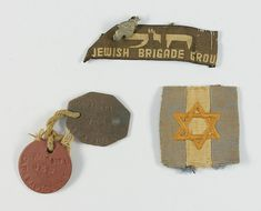 Jewish Brigade tag and identity discs belonging to Shmuel Gafni from Kibbutz Mishmarot, who enlisted to fight the Nazis