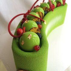 #entremet #entremets #gateau #glacage #pastryart #pastry #patisserie #cakeart #cake #delicious #foodporn #bon_app #chefsofInstagram #chefstalk #dessertmasters #chefs #chefsroll #baker #gastroart #foodphotography #foodporn #foodart #pastryartru #cake_ Elegant Desserts, Beautiful Desserts, Beautiful Cakes, Fun Desserts, Amazing Cakes, Delicious Desserts, Fancy Cakes, Mini Cakes, Cupcake Cakes