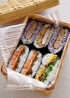 Onigirazu, Köstliche Desserts, Health Desserts, Picnic Foods, Food Platters, Cafe Food, Aesthetic Food, Korean Food, Food Cravings