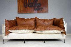 ESSENZA czyli tkanina, która w 70% składa się ze skóry naturalnej. Czy meble nie wyglądają niesamowicie?  Ta kanapę znajdziecie na stronie www.veboloft.pl więcej informacji o tkaninie znajdziecie na http://www.toccare.com.pl/kolekcje/essenza/