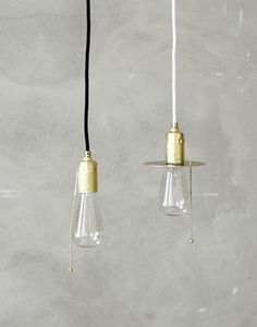 A brass socket with a chain used to turn the light on and off, like in the old days. Comes with a low energy bulb. Lamp Light, Light Up, Light Of My Life, Mason Jar Lamp, Light And Shadow, Messing, Home Deco, Lighting Design, Modern Contemporary
