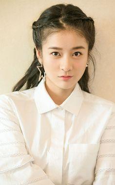 Asian Eyebrows, Cute Actors, Soyeon, Beautiful Asian Girls, Greece, Victoria, Actresses, Cartoon, Female