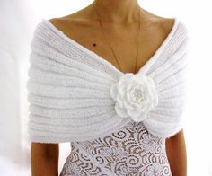 ve beyazın zerafeti.Handmade Mohair Capelet with a Flower brooch by Rumina on EtsyKnitting Patterns combine This capelet is made to order. Please allow one week after order to sell.I think i like this as much as I like the fact that it's handmade fr Bridal Shawl, Wedding Shawl, Poncho Au Crochet, Knit Crochet, Crochet Clothes, Diy Clothes, Knitting Patterns, Mohair Yarn, Crochet Dresses