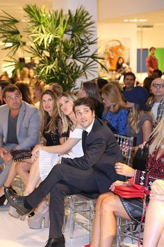 Artefacto inaugura Vitrines 2015 no CasaShopping com Bruno ...