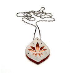 Argent et cuivre Lotus inspiré collier rivetée tout en par mkwind