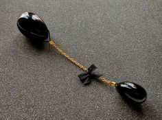 Black obsidian quartz yoni egg and extra decorative egg on golden chain, in a beautiful handmade gift box!  These yoni eggs are specially designed for pelvic and vaginal health. The set includes two sizes of eggs: Large - 1.7x1.1 inches - 45x30 mm Small 1.1x0.8 inches - 30x20 mm The benefit of this exercise to increase the sexual pleasure, impove the control of the urination needs and muscle development. Perfect exercise after pregnancy. Place the large egg in your vagina and the small egg…