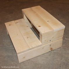 DIY Easy Kid's Step Stool - Made with 2x4s!