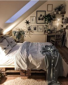 room inspiration Choosing Attic Design Is Simple Bedroom Decorations For Kids Gone are the days Dream Rooms, Dream Bedroom, Master Bedroom, Fairytale Bedroom, Attic Bedrooms, Attic Bedroom Ideas For Teens, Bedroom Bed, Teen Bedroom, Cosy Bedroom Ideas For Couples