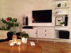 Äntligen i mål – lifebymanda Living Roon, Living Room Modern, Home And Living, Living Spaces, String Regal, String Shelf, Small Space Design, Piece A Vivre, White Decor