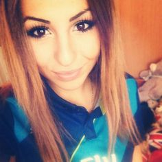Try forget yesterday's result and admire another beautiful Goonerette. Follow this stunner Thanks for featuring on the page! #ArsenalFanBabes #Arsenal #Gunners #girl #pretty #football #ArsenalFC #Goonerette #goonerfamily #emiratesstadium #AFC #ozil #Alexis #Cech #London #TGIF #follow #instagood #cute #followme #photooftheday #happy #tagforlikes #beautiful #selfie #smile #like4like #instadaily #igers #instalike by arsenalfanbabes