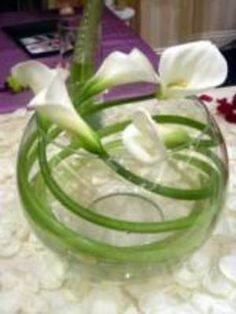 Calla lily swirl Simple white and elegant Orlando wedding flowers / www.weddingsbycarlyanes.com