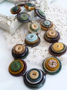 On Sale ES310  SAFARI  VINTAGE BUTTONS von designedbybettyshek