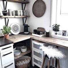 Guten Morgen! 😍 Ich wünsche allen Vätern einen tollen Vatertag ❤ #westwing #interior4all #instahomes #roomforinspo #homeinterior #hygge #kitcheninspo #interiorwarrior #whiteinterior #kitchen #interiores #homeadore #kitchendetails #heminredning #kitchendesign #inredningsdetaljer #kitchengoals #candyforskovbon #nordichome #boligmagasinet #kitchenlife #dream_interiors #interor_and_living #asafotoninspo #kitchenview #blackandwhite #passionforinteriors #interior9508 #interieurstyling