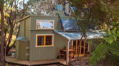 Una piccola casa sostenibile e artigianale #energYnnovation #terra