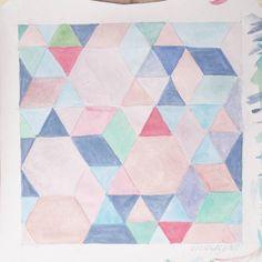 Wasserfarben. In anderen Neuigkeiten gibt's auf dem Blog jetzt einen Rückblick auf den Januar.  #wasserfarben #watercolors #hexagons #kritzelnzwosechzehn #ihavethisthingwithfloors #gebloggt