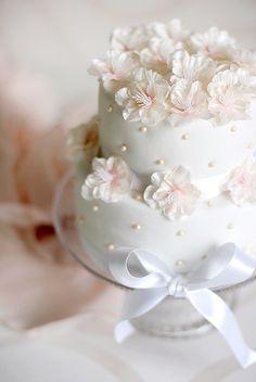 Fabric flower cake, via Flickr.