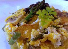 El curry madrás o salsa madrás es un curry de color rojo que posee un alto contenido de chile en polvo. Se trata de una salsa originaria del Sur de la India conocida por la ciudad de Madrás, hoy en día conocida por Chennai. Este curry puede ser con contenido cárnico o puede ser vegetariano.