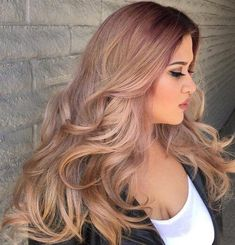 The best hairstyles for plus size women, form the super short to the very long and everything in between. Some superb plus size hairstyles for round faces too. Plus Size Hairstyles, Hairstyles For Round Faces, Straight Hairstyles, Cool Hairstyles, Wedding Hairstyles, Round Face Haircuts Long, Medium Hair Styles, Curly Hair Styles, Natural Hair Styles
